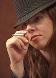 kobieta ma gangstera dym Obraz Royalty Free
