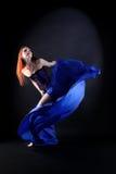Kobieta nowożytny tancerz w sala balowej zdjęcie stock