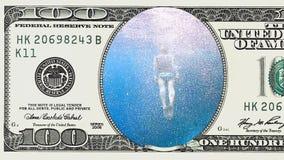 Kobieta nur podwodny w ramie 100 dolarowy rachunek zdjęcie wideo