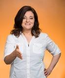 Kobieta, obsługa klienta agent daje ci uściskowi dłoni Zdjęcie Stock