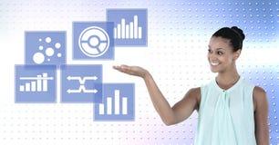 Kobieta oddziała wzajemnie z biznesowej mapy statystyki ikonami Obraz Stock
