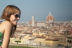 Kobieta patrzeje Florencja Obraz Royalty Free