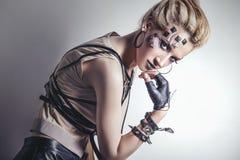 Kobieta piękny model z ciało sztuką niezwykły i modny c Zdjęcie Stock