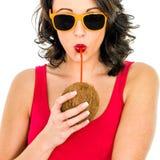 Kobieta Pije Kokosowego mleko Przez słomy obraz royalty free