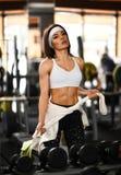 Kobieta po gym treningu zdjęcia royalty free