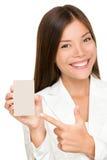 Kobieta pokazywać mienie znaka Zdjęcia Royalty Free