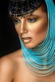 Kobieta portret z biżuterią w egipcjanina stylu Zdjęcie Stock