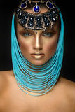 Kobieta portret z biżuterią w egipcjanina stylu Obrazy Royalty Free