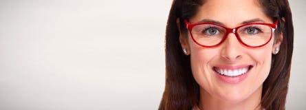 Kobieta portret z eyeglasses zdjęcia royalty free