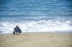 Kobieta połów w oceanie Obraz Royalty Free