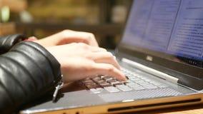Kobieta pracujący laptop zdjęcie wideo