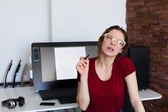 Kobieta pracuje przy komputerem Fotografia Royalty Free