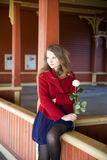 Kobieta przy dworca czekaniem dla someone Obraz Stock