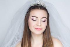 Kobieta przygotowywa dla poślubiać Zdjęcie Royalty Free