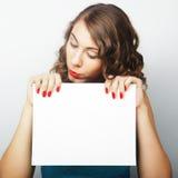 kobieta pustej karty gospodarstwa Fotografia Royalty Free