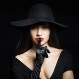 Kobieta robi cisza gestowi obraz stock