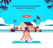 Kobieta robi joga ćwiczeń willi domu lotosowej nadmiernej plażowej tropikalnej wyspy postać z kreskówki sprawności fizycznej żeńs ilustracji