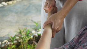Kobieta robi masażowi dziewczyna w Asia Bali, Indonezja zdjęcie wideo