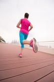 Kobieta ruchliwie bieg na deptaku Zdjęcie Stock