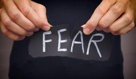 Kobieta strachu wdechowy słowo pisać na czerń papierze obraz royalty free
