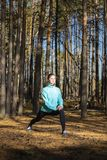 Kobieta, styl życia, natura, ćwiczenie, świeże powietrze, plenerowy zdjęcie stock