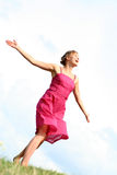 kobieta tańcząca trawy Obraz Royalty Free