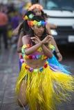 Kobieta taniec podczas karnawału, Galapagos wyspy Fotografia Stock