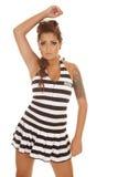 Kobieta tatuaży więźniarska ręka up stoi Obrazy Stock