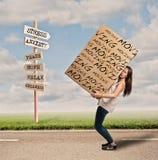Kobieta trzyma cardbox obrazy royalty free