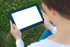 Kobieta trzyma cyfrową pastylkę komputerowa Zdjęcia Royalty Free