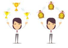 Kobieta trzyma filiżankę, nagroda, pieniądze nagroda Zdjęcia Royalty Free
