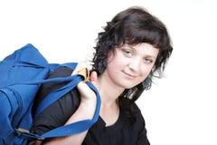 Kobieta uśmiechu nd naramienna torba odizolowywająca Zdjęcie Royalty Free