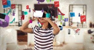 Kobieta używa rzeczywistości wirtualnej słuchawki z cyfrowo wytwarzać sprzedaży ikonami 4k zdjęcie wideo