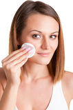 Kobieta Usuwa makijaż Fotografia Stock