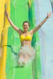 Kobieta w aqua parku Obrazy Royalty Free