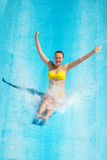 Kobieta w aqua parku Zdjęcia Stock