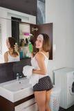 Kobieta w łazience Obraz Stock