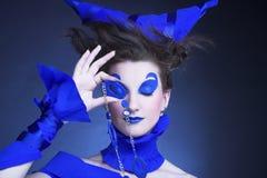 Kobieta w błękicie Zdjęcie Royalty Free