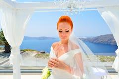 Kobieta w biel sukni Fotografia Royalty Free