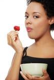 Kobieta w ciąży target13_1_ zdrowego jedzenie. Zdjęcia Royalty Free