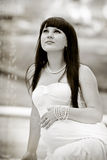 Kobieta w ciąży target821_0_ w parku Fotografia Stock