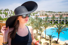 Kobieta w czarnym kapeluszu Zdjęcie Stock