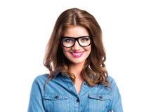 Kobieta w drelichowej koszula i czarnych eyeglasses, studio strzał Zdjęcia Royalty Free