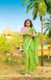 Kobieta w indyjskim sari Zdjęcia Stock
