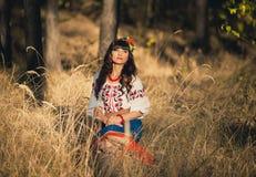 Kobieta w krajowy ukraińskim odziewa Zdjęcie Royalty Free