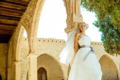 Kobieta w ślubnej sukni Obrazy Royalty Free
