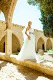 Kobieta w ślubnej sukni Fotografia Stock