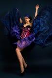Kobieta w mody sukni zdjęcia royalty free