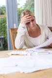 Kobieta w pieniężnym stresie obrazy royalty free