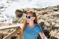 Kobieta w plaży Fotografia Royalty Free